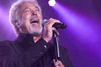Tom Jones @ Colchester Castle Park
